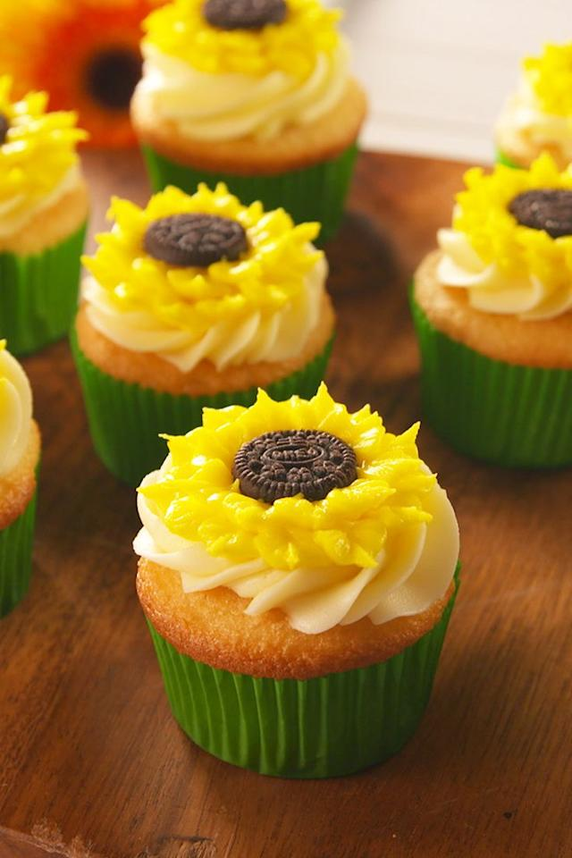 """<p>Picture perfect! </p><p>Get the recipe from <a href=""""https://www.delish.com/cooking/recipe-ideas/a21602386/oreo-sunflower-cupcakes-recipe/"""" target=""""_blank"""">Delish.</a></p>"""