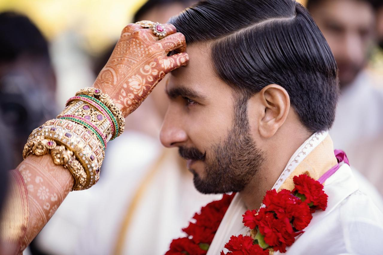 <p>The gorgeous couple, once again, proved why they're the toast of the town. </p>