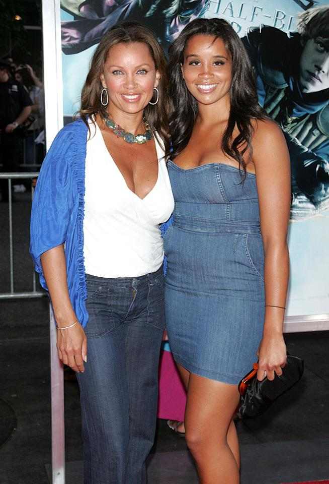 """<a href=""""http://movies.yahoo.com/movie/contributor/1800018824"""">Vanessa Williams</a> and daughter at the New York premiere of <a href=""""http://movies.yahoo.com/movie/1809791044/info"""">Harry Potter and the Half-Blood Prince</a> - 07/09/2009"""