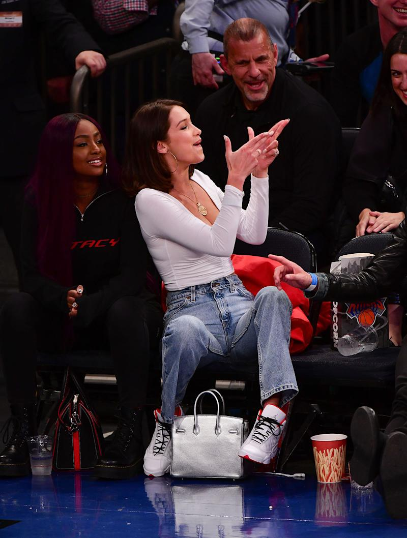 Bella Hadid basketball