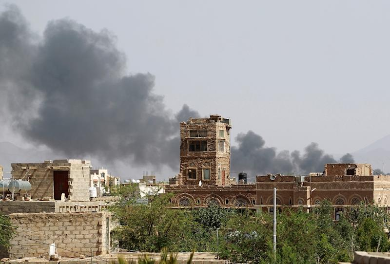 The aftermath of an airstrike by the Saudi-led coalition in Yemen (AFP Photo/MOHAMMED HUWAIS)