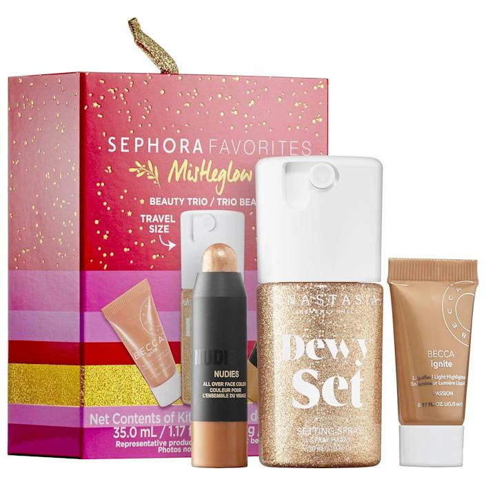 """<h2>Sephora Favorites Mini Mistle Glow Highlight Set</h2><br>Get this tiny Sephora Favorites ornament, which has everything you need to light up your tree and your cheekbones.<br><br><strong>Sephora Favorites</strong> Mini Mistle Glow Highlight Set, $, available at <a href=""""https://go.skimresources.com/?id=30283X879131&url=https%3A%2F%2Fwww.sephora.com%2Fproduct%2Fsephora-favorites-mini-mistleglow-2-P461530%3FskuId%3D2381242%26icid2%3Dproducts%2520grid%3Ap461530%3Aproduct"""" rel=""""nofollow noopener"""" target=""""_blank"""" data-ylk=""""slk:Sephora"""" class=""""link rapid-noclick-resp"""">Sephora</a>"""