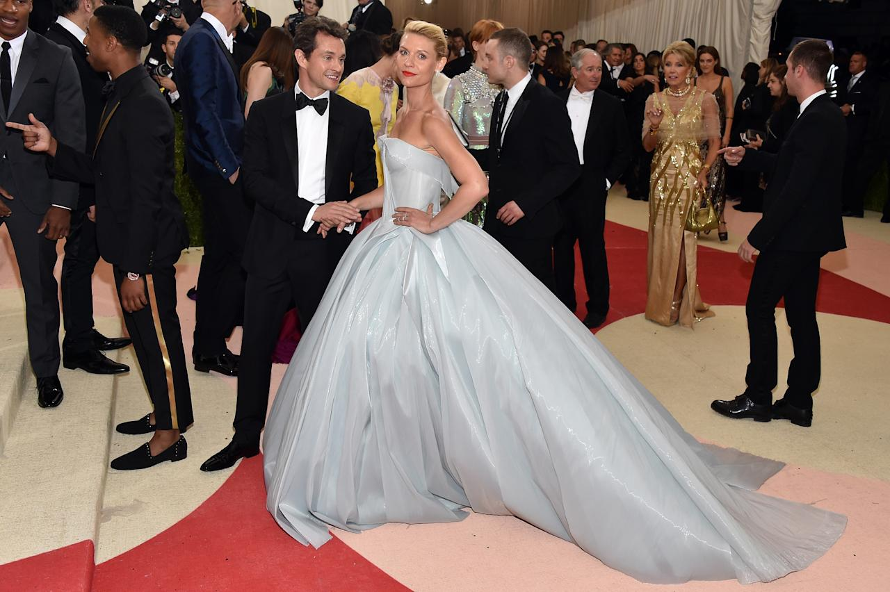 <p>Claire Danes will forever remain in the Met Gala history books for having one of the most innovative talking points of a dress. On May 2 2016, the actress played along with the theme of technology in a Zac Posen number which, wait for it, lit up in the dark.<br />Thanks to the power of 30 battery packs, the fairy tale-inspired look sparkled on the evening and we challenge you to find a more impressive dress. Photo:<em> </em>Getty </p>