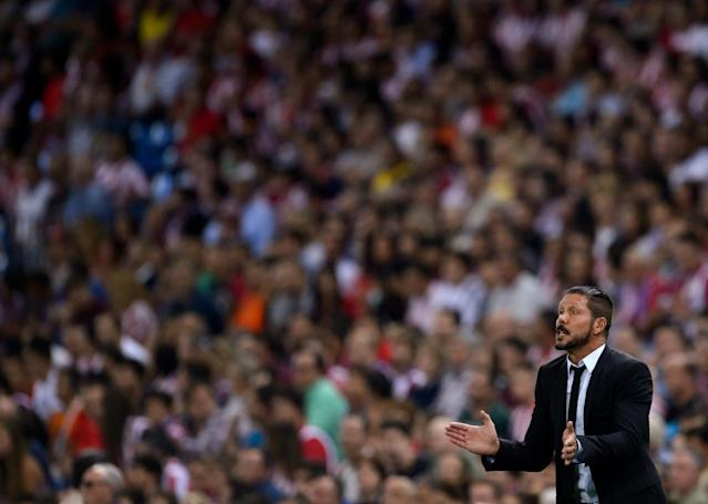 Atletico Madrid coach Diego Simeone during his side's Spanish Supercopa second-leg match against Real Madrid in Madrid on August 22, 2014 (AFP Photo/Dani Pozo)
