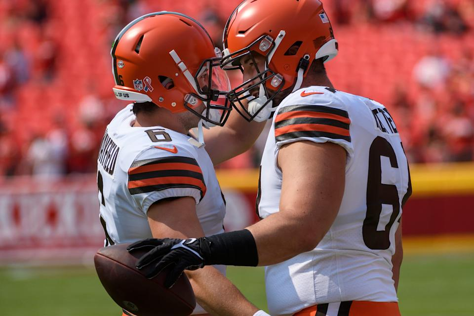 Browns quarterback Baker Mayfield (left) greets Browns center JC Tretter during pregame warmups before playing the Chiefs, Sunday, Sept.12, 2021 in Kansas City, Mo. (AP Photo/Reed Hoffmann)