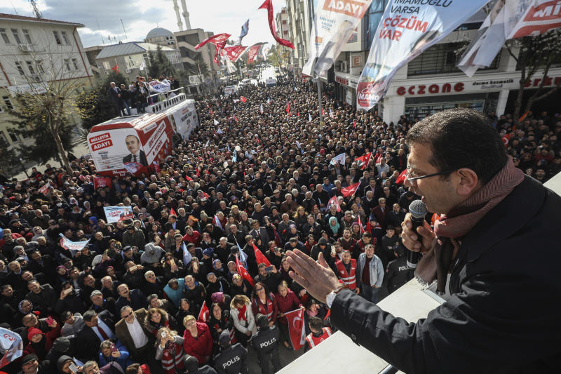 Ekrem Imamoglu, mayoral candidate for Istanbul of the main opposition Republican People's Party (CHP), addresses his supporters during a rally in Istanbul, Friday, March 29, 2019, ahead of local elections scheduled for March 31, 2019. (AP Photo/Emrah Gurel)