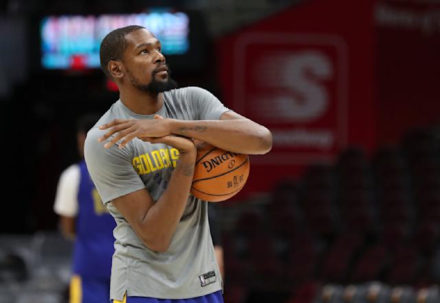 "<a class=""link rapid-noclick-resp"" href=""/nba/players/4244/"" data-ylk=""slk:Kevin Durant"">Kevin Durant</a> once again let a fan bait him into an argument about why he joined the <a class=""link rapid-noclick-resp"" href=""/nba/teams/gsw"" data-ylk=""slk:Golden State Warriors"">Golden State Warriors</a>. (AP)"