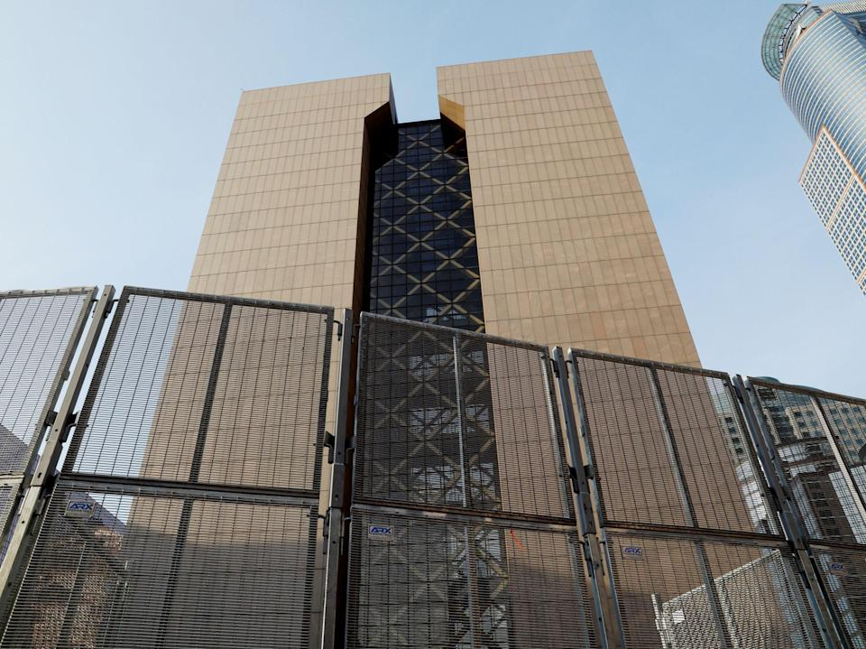 Security fencing surrounds the perimeter of the Hennepin County Government Center, while the fifth day of trial continues for Derek Chauvin, who is facing murder charges in the death of George Floyd, in Minneapolis, Minnesota, US, 2 April, 2021REUTERS