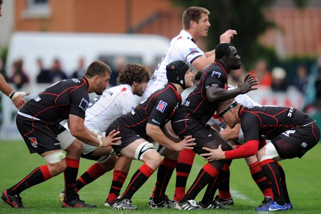 Players get ready to play a line-out during the French Top 14 rugby union match Lyon vs. Toulon on May 12, 2012 in Lyon. AFP PHOTO PHILIPPE MERLEPHILIPPE MERLE/AFP/GettyImages