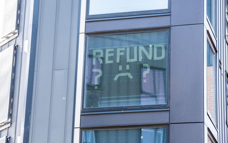 A sign in the windows of Manchester Metropolitan University halls this afternoon during a lockdown of their accommodation following - Mercury Press