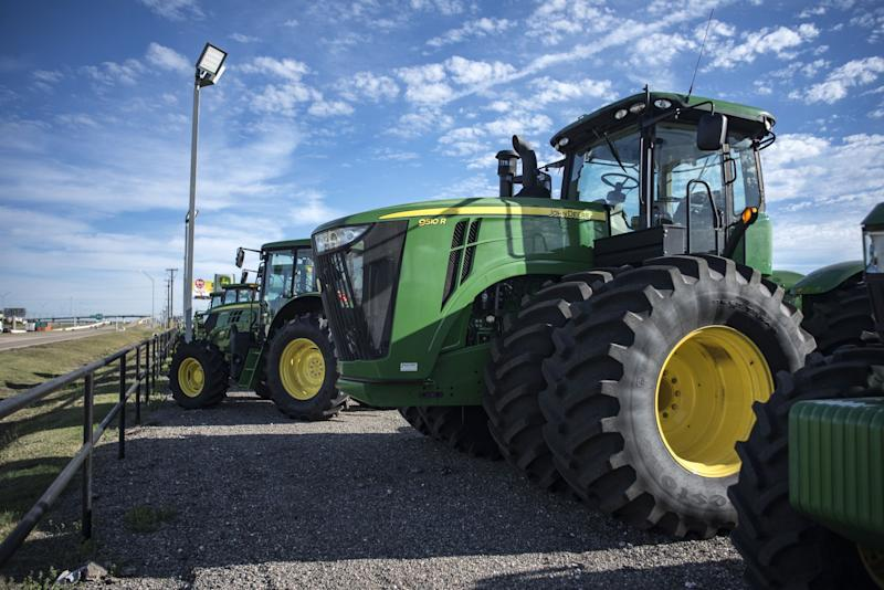 Deere, World's Biggest Tractor Maker, Halts Output in Brazil