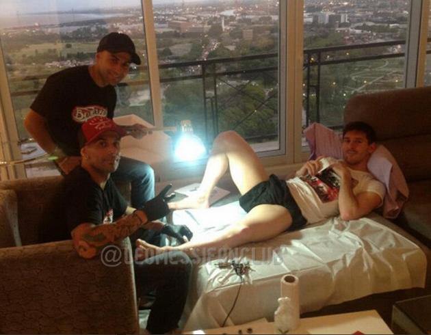 Four years at tattoo college were worth it to shine a lamp on Messi's groin (@LeoMessifanclub)