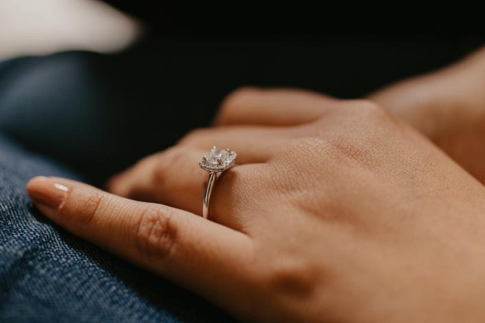 Brits believe their parenters should spend about £12,153 on their 'forever' rings. (Karina Thomson/Unsplash)