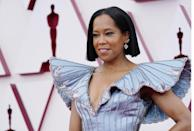 <p>Regina King showed up on the red carpet with her a blunt bob hairstyle and a pink lip.</p>