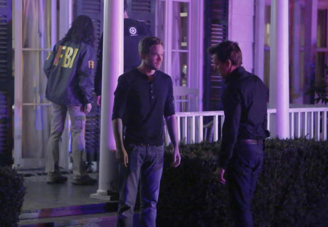 "Weston (Shawn Ashmore, L) and Ryan Hardy (Kevin Bacon, R) look for the followers in the ""The Fall"" episode of ""The Following."""
