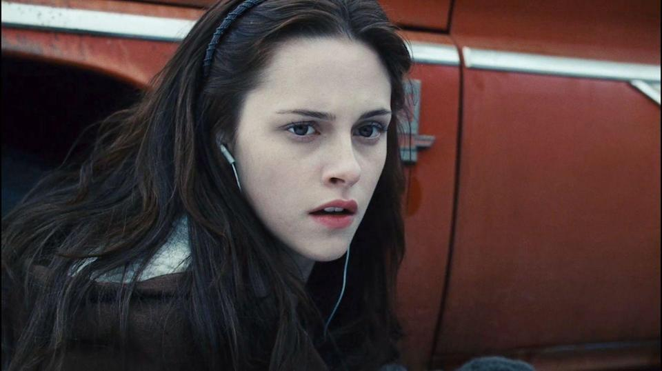 <p>Before <em>Twilight</em>, Kristen Stewart was relatively unknown. But once the first movie came out, she shot up to a truly insane level of stardom. Like, couldn't go anywhere without getting totally swarmed by fans kind of stardom. But by the time the last <em>Twilight</em> movie came out, she was the highest paid actress in the world. Not too shabby! And of course who could forget the fact that her and R-Patz had an off-screen romance during filming. Truly, a moment!</p>