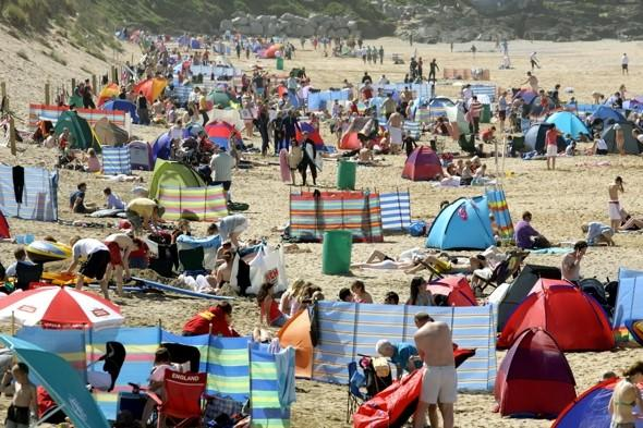 Cornwall holiday homes conman on 'most wanted list'