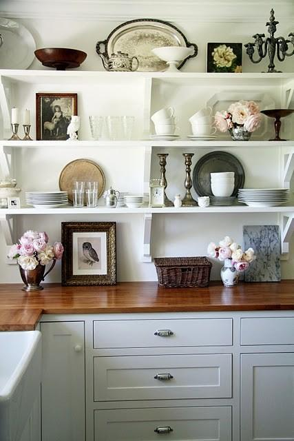 Is the Hot 'No Cabinet' Kitchen Trend Really for You?