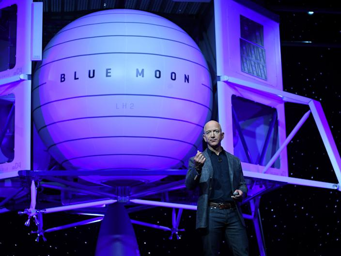 jeff bezos blue origin blue moon  - bc90cd80f279e0f1e66a70de6a9ddfc6 - Jeff Bezos will soon take an 11-minute flight aboard a rocket his space exploration company built. Here's how his childhood obsession with space led to Blue Origin's unprecedented spaceflight.