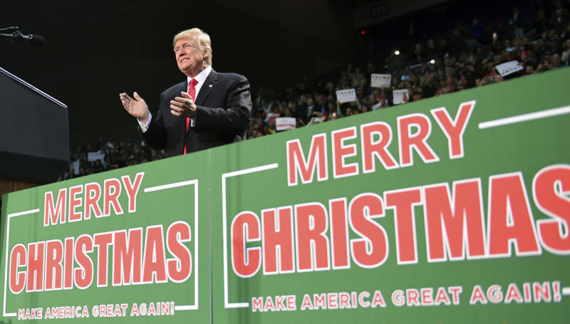 There\'s no missing Trump\'s \'Merry Christmas\' message