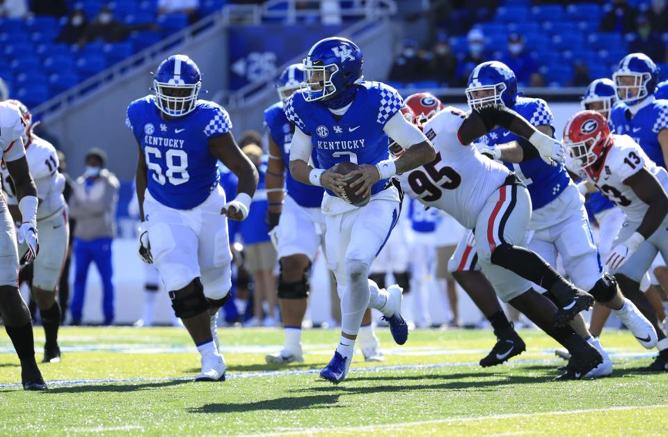 LEXINGTON, KENTUCKY - OCTOBER 31:   Joey Gatewood #2 of the Kentucky Wildcats runs with the ball against the Georgia Bulldogs at Kroger Field on October 31, 2020 in Lexington, Kentucky. (Photo by Andy Lyons/Getty Images)