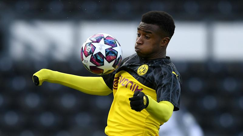 Dortmund's 15-year-old prodigy Moukoko wanted in first team by Favre