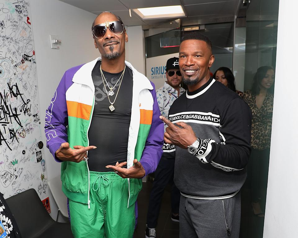 NEW YORK, NY - MAY 15: Snoop Dogg and Jamie Foxx visits the SiriusXM Studios on May 15, 2018 in New York City.  (Photo by Taylor Hill/Getty Images)