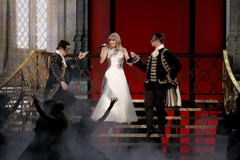 Taylor Swift (NOTE: the photo of her performance) 40th Annual American Music Awards Los Angeles, CA
