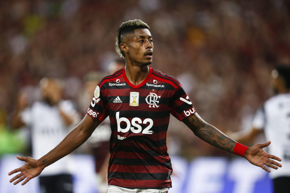 RIO DE JANEIRO, BRAZIL - NOVEMBER 27: Bruno Henrique of Flamengo celebrates after scoring the first goal of his team during the match against Ceará for the Brasileirao Series A 2019 at Maracana Stadium on November 27, 2019 in Rio de Janeiro, Brazil. (Photo by Wagner Meier/Getty Images)