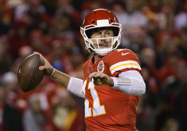 """<a class=""""link rapid-noclick-resp"""" href=""""/nfl/players/7177/"""" data-ylk=""""slk:Alex Smith"""">Alex Smith</a> highlights this week's look at whom you should sit and start in fantasy leagues (AP Photo/Reed Hoffmann)."""