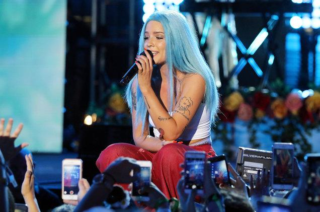 Halsey Apologizes After Defending Quavo's Homophobic Remarks