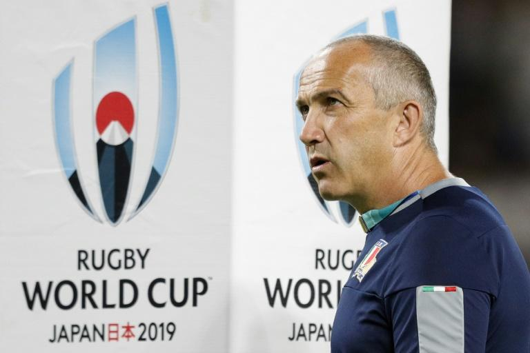 Conor O'Shea is stepping down from his role as coach of Italy's rugby team