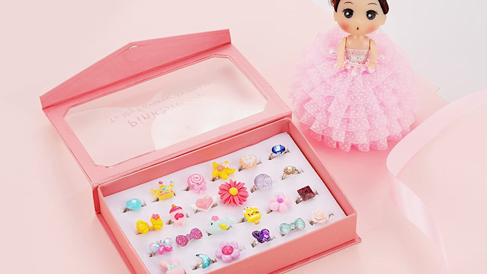 Gifts for kids: Pink Sheep Jewel Rings