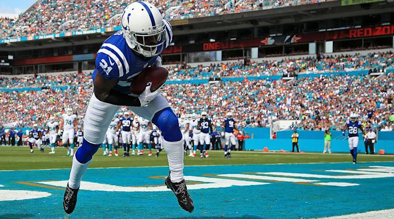 Teams pursuing Vontae Davis with hope of return for playoffs, report says