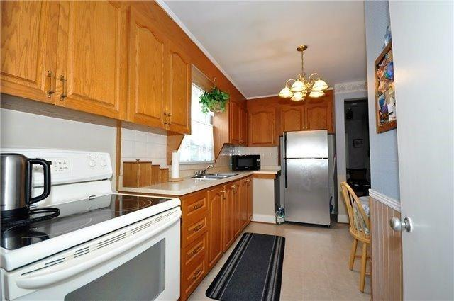 "<p><a rel=""nofollow"">81 Charleston Rd., Toronto, Ont.</a><br /> The kitchen comes with the fridge and stove.<br /> (Photo: Zoocasa) </p>"
