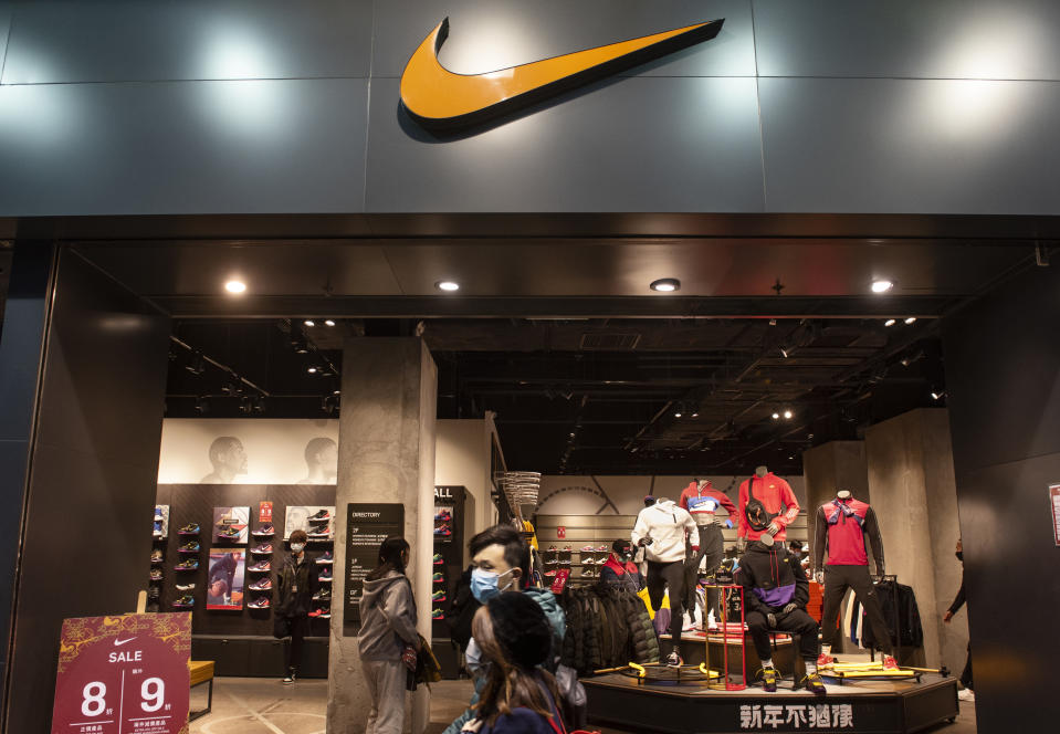templar Ataque de nervios vanidad  Nike, Lululemon say they learned lessons from coronavirus store closures in  China