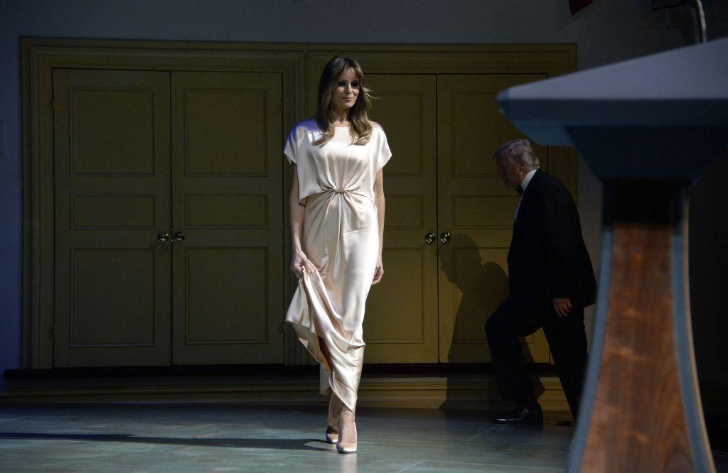 <div>FLOTUS appeared with the President at the Ford's Theatre annual gala in honor of President Abraham Lincoln. She wore a cream silk gown by Monique Lhuillier.</div>