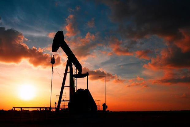 5 Stocks That Braved Oil's Biggest Monthly Loss in 10 Years