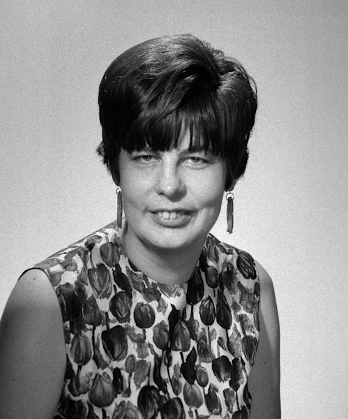 FILE - In this Aug. 1, 1967 file photo, records columnist and Newsfeatures editor Mary Campbell poses for a photo in New York. Mary Campbell, who covered music and theater for four decades at The Associated Press, has died, Friday, Oct. 19, 2012. She was 78 (AP Photo/File)