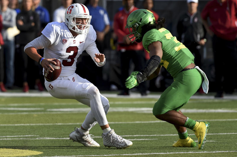 Salty Oregon Ducks Fans Throw Trash, Bottles At Stanford Players After The Game