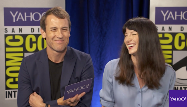 Tobias Menzies and Caitriona Balfe of 'Outlander'