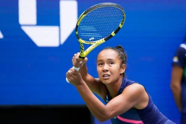 Canada's Leylah Fernandez suffered a 4-6, 3-6 defeat to Emma Raducanu of Great Britain in the final of the U.S. Open on Saturday.  (Robert Deutsch/USA TODAY Sports - image credit)