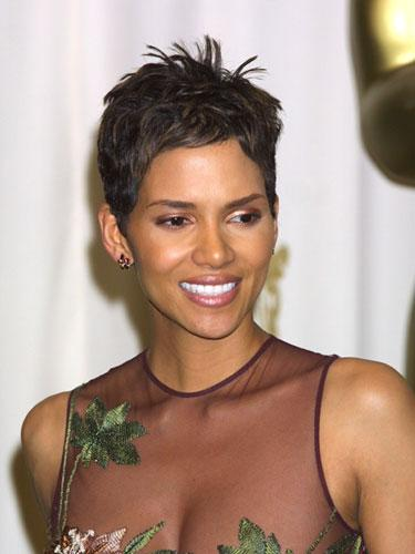 "<div class=""caption-credit""> Photo by: WireImage</div><div class=""caption-title"">Halle Berry</div>Although she's gorgeous with any length hair, Halle Berry's short, sexy look from 2001 is still a style favorite. And since a close crop is virtually wash and go, it's perfect whether you're a movie star or supermom. <br>"