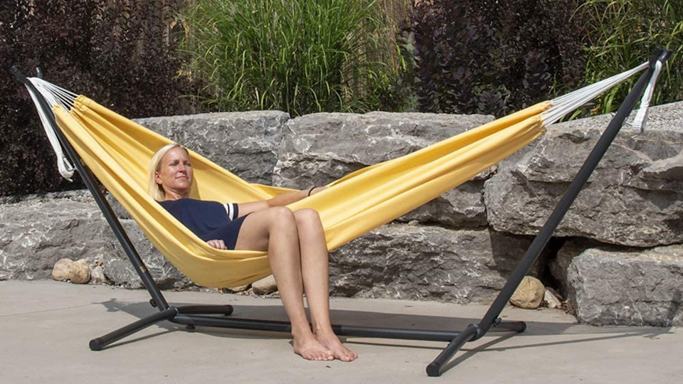 Reviewers love this product for its comfort and durability through the season.