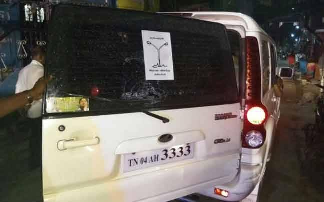 RK Nagar by-poll: Clash between AIADMK's OPS and EPS faction; Madhusudhanan's vehicle damaged