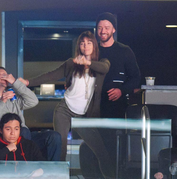 Jessica Biel Cant Stop The Feeling As She Dances Against Justin