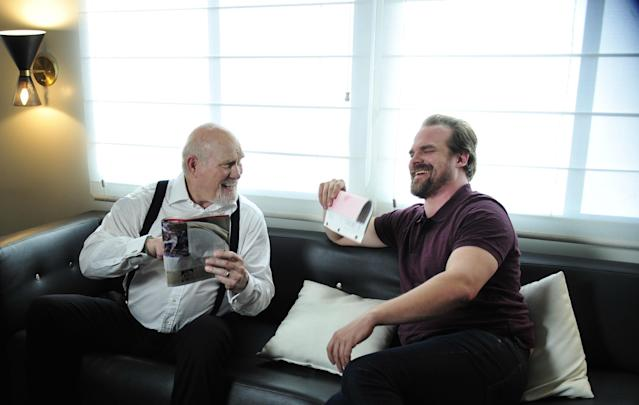 """And — poof —another bromance is born. David Harbour, right, loved working with Terry Bradshaw in the Tide Super Bowl teaser spots. But don't worry """"Stranger Things"""" fans, he remains as tight as ever with Joe Keery. (Photo: Courtesy of Tide)"""