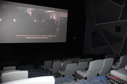 There are also handy side tables for cinema patrons to place their food and belonging while enjoying their movie.