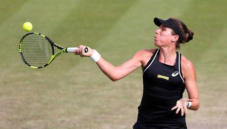 Johanna Konta snubs umpire as Ashleigh Barty wins Nottingham final
