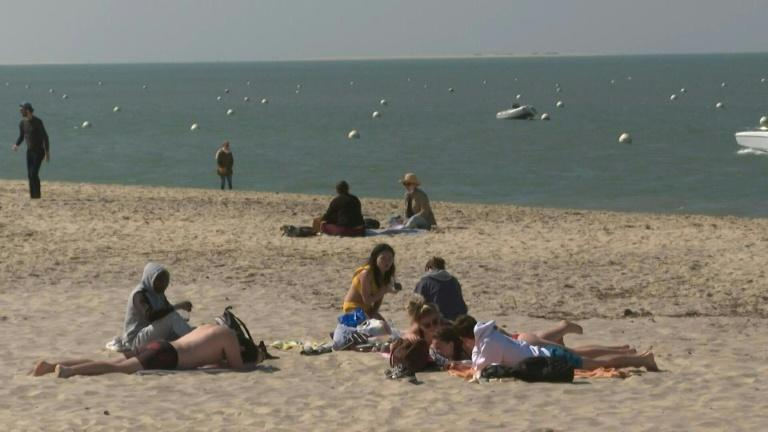 In France, a sunny Easter weekend by the ocean